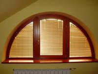 горизонтальные жалюзи для нестандартного окна
