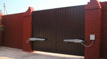 распашные ворота с автоматикой в Симферополе, Крыму